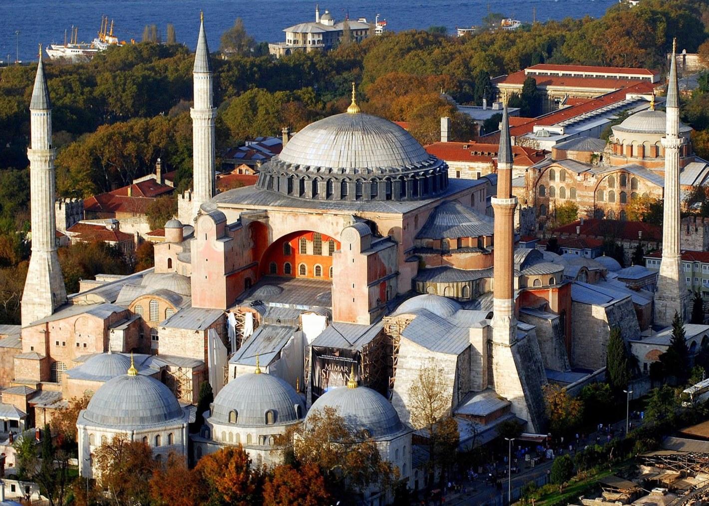 Hagia-Sophia-Istanbul-Turkey_2
