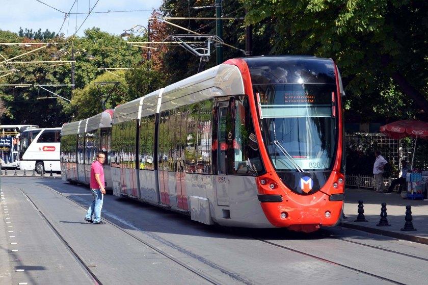 Istanbul_T1_line_Alstom_Citadis_tram